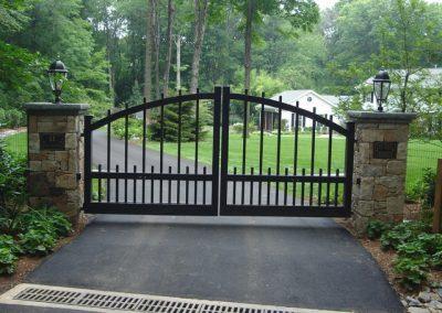 GATES SWING (1)