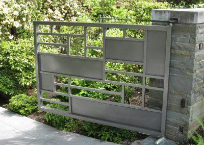 GATES SWING (3)
